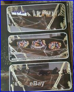 6 FT SKELETONS CARRYING COFFIN Indoor/Outdoor Halloween Prop HOLDS UP TO 88 LBS