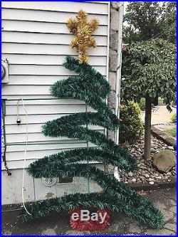 6′ Municipal Zig Zag Christmas Tree Pole Decorations