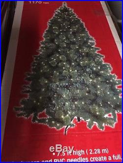 7.5′ 600 clear lights 1170 tip Christmas tree