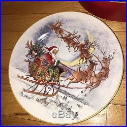 8 NEW Pottery Barn NOSTALGIC SANTA DINNER PLATES set of 8 CHRISTMAS NIB
