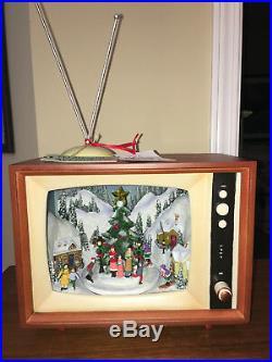 Animated Retro TV Christmas Diorama Skaters Music Lights 10x8x6
