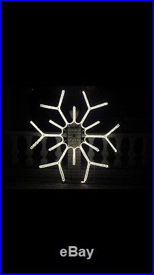 BEAUTIFUL! Huge Giant Large 6 foot snowflakes! Christmas light show