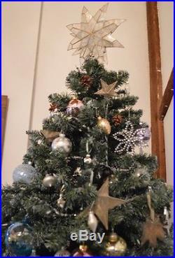 Beautiful Designer 7.5′ Christmas Tree set Lux Ornaments Luminous cool tones, NY