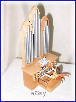 Blank Engel an der Orgel mit Spielwerk Natur Kurzrockengel
