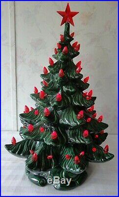 Ceramic Christmas Tree 1974 ATLANTIC MOLD 19 Red Ornaments AMAZING CONDITION