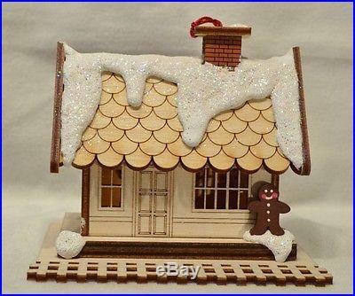 Ginger Cottages All Aboard Train Depot GC105