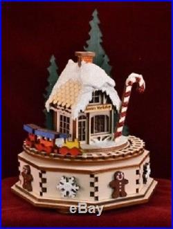 Ginger Cottages North Pole Music Box GCM103