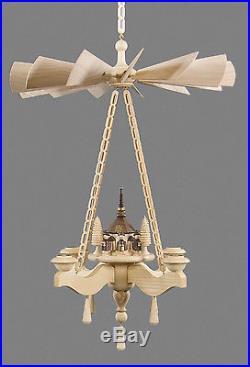 Hängepyramide mit Seiffener Kirche und Kurrende erzgebirge