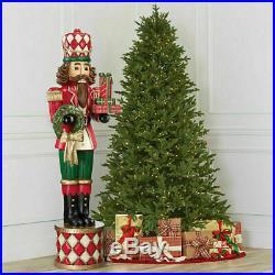 Indoor/Outdoor 6ft (1.8m) Wood Look gift Christmas Soldier Nutcracker Pedestal