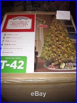 NEW 7.5 ft. Pre-Lit Buchanan Spruce Christmas Tree Clear lights