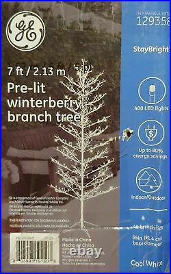 NEW GE 7′ Ft Winterberry White Pre-Lit Christmas Holiday Tree 400 LED Lights