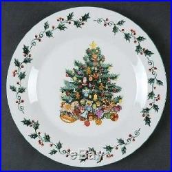 NEW Gibson Christmas Tree Trimmings 20-Piece Dinnerware Set Decorative Holiday