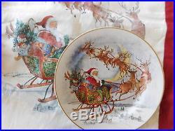 NEW NIB CHRISTMAS S/ 8 Pottery Barn NOSTALGIC SANTA SALAD PLATES ++ RUNNER