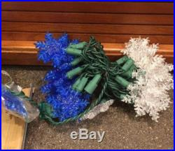 New Christmas Indoor/Outdoor 30 White & Blue LED Snowflake Light Set