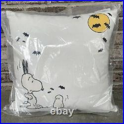 Pottery Barn Indoor/ Outdoor Peanuts Snoopy 20 Pillow Ghost HalloweenFallNew