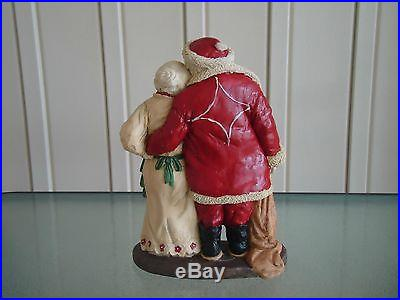 Retired Santa and Mrs. Claus by sculptor Ken Memoli