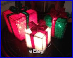 SET Of 3 INDOOR/OUTDOOR LIGHT UP PRESENTS CHRISTMAS