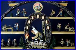 Schwibbogen Bergmann mit beleuchteten Grubenlampen und Wappen Kolbe Erzgebirge