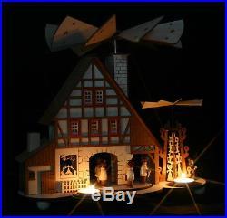 Teelicht Pyramide mit funktionstüchtigen Räucherhaus Fachwerkhaus Erzgebirge